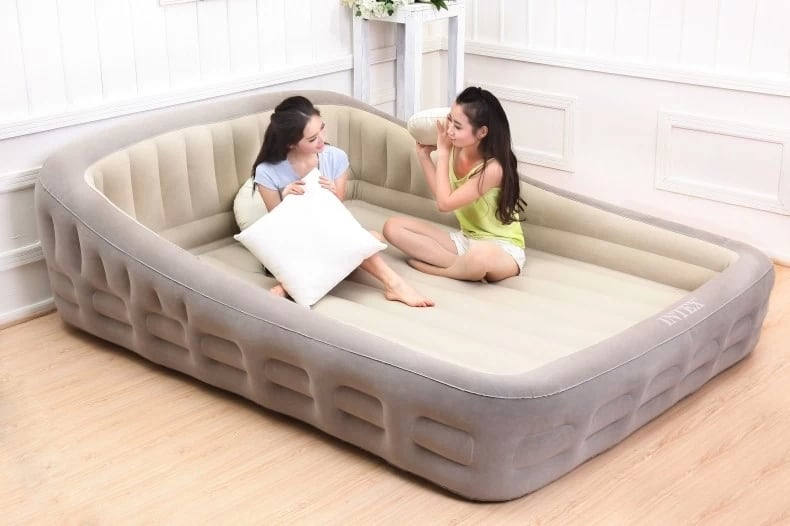 cheap queen air mattress Intex Queen Air Mattress Review   The Best Mattress Reviews cheap queen air mattress
